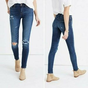 Madewell distressed 9 in. Skinny High Rise Jeans